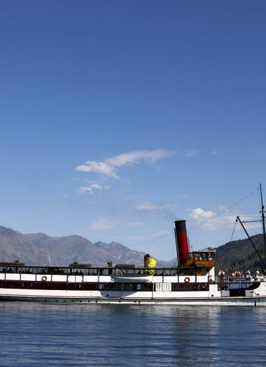 Earnslaw Lake Wakatipu Cruise Queenstown | Robertson Lodges